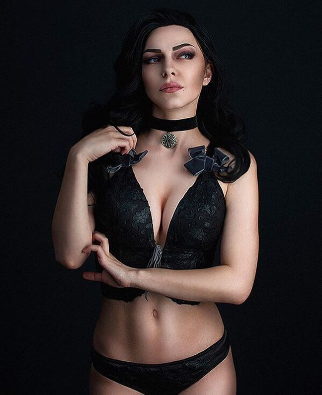 Love this Yen sooo much  #ведьмак3 #ведьмак3дикаяохота #ведьмак #косплей #йеннифэр #геральт #цири #трисс #witcher #witcher3 #witcher3wildhunt #cosplay #yennifer #TeamYen #geralt #ciri #triss