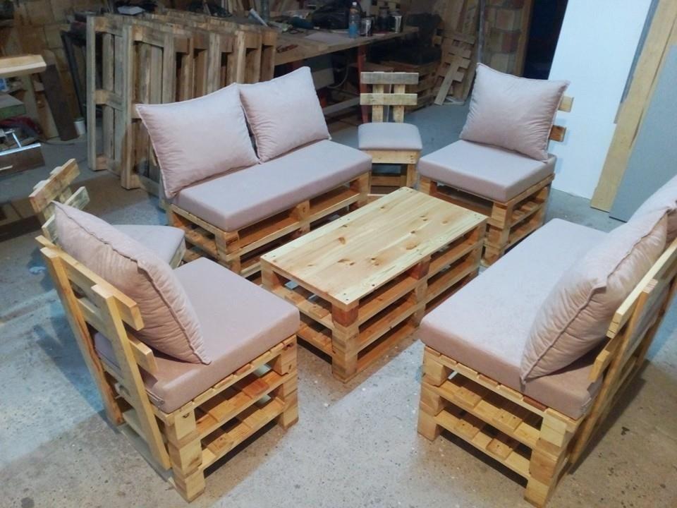pallet seating set diy money saving pinterest meuble palette mobilier de salon and palette. Black Bedroom Furniture Sets. Home Design Ideas
