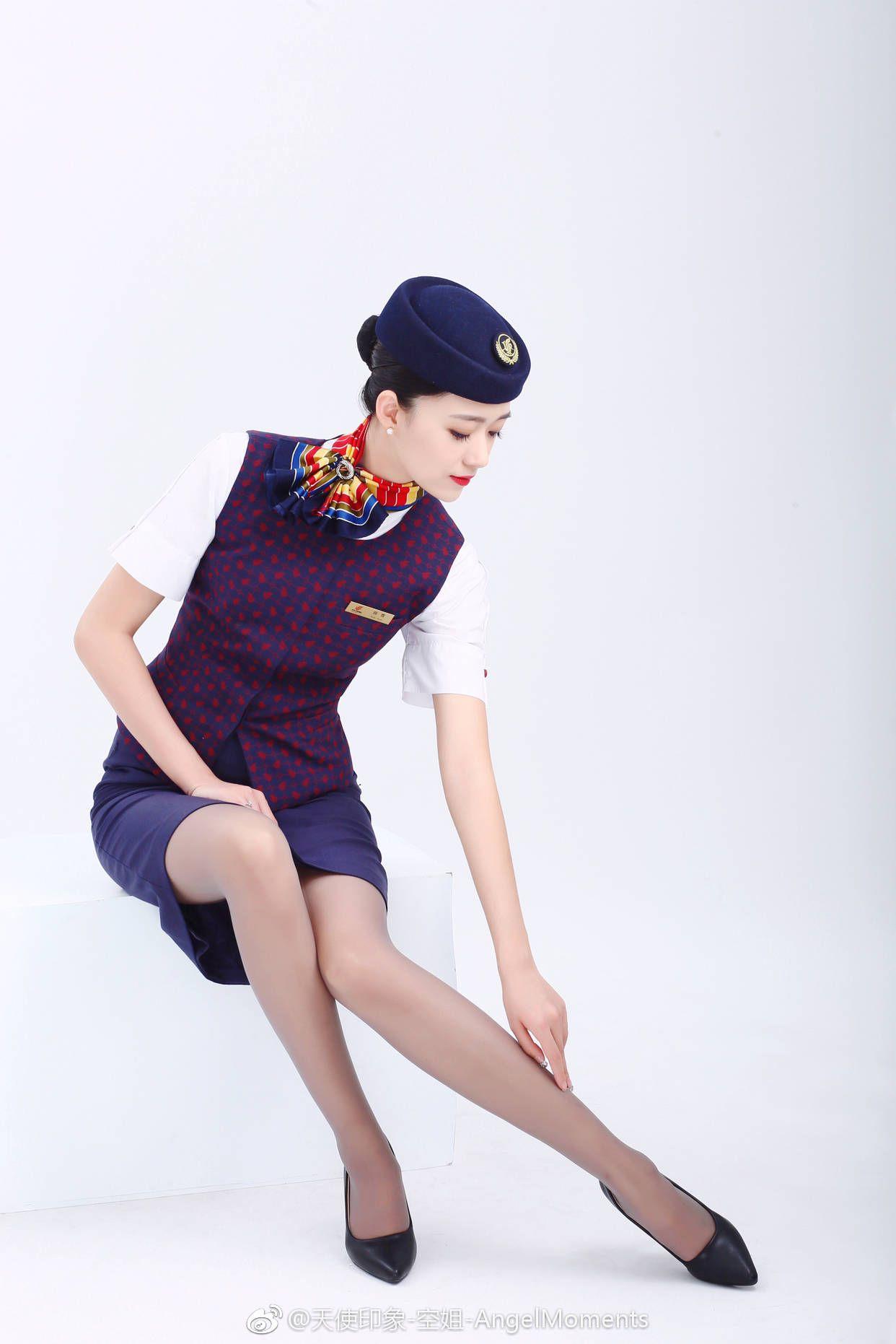 yaponskie-styuardessi-so-svoimi-uslugami-foto-skritaya-kamera-spyashih-zhenshin