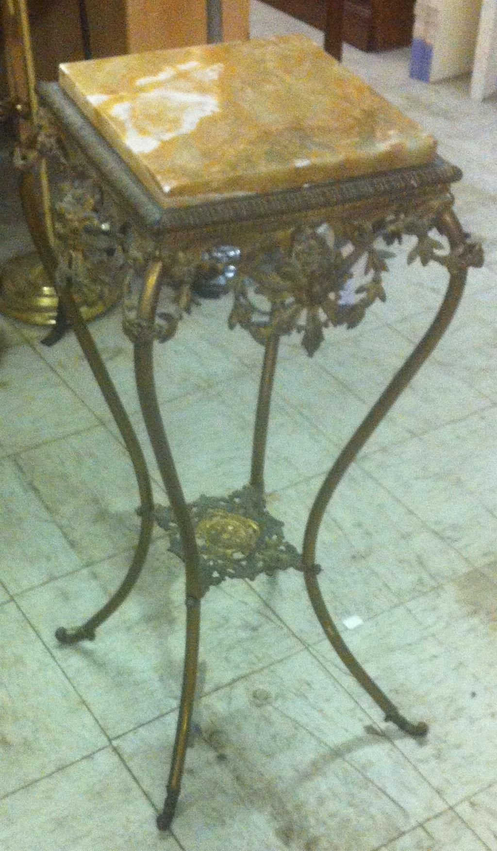 Auction company 751 walnut victorian marble top parlor table ca 1870 - Antique Brass Fern Stand W Marble Top