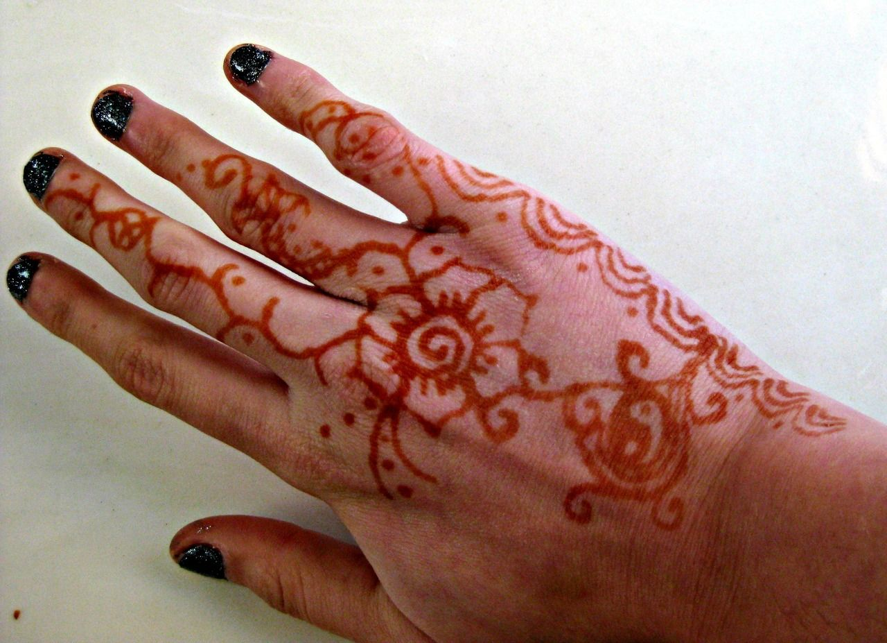 Mehndi Equals Henna : Check out more henna pictures at https: www.mehndiequalshenna.com