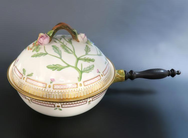 Art dating royal copenhagen porcelain