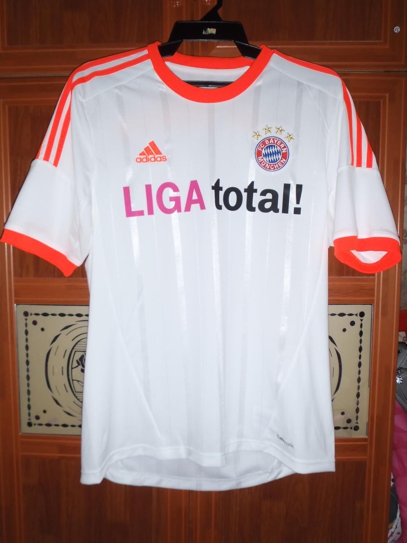 competitive price 7a3be f3b59 Bayern Munich football shirt 2012   football team   Football ...