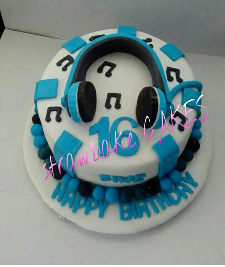 Headset musician blue white birthday cake  7087f5be04