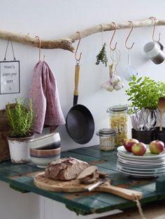 DIY-Idee: Küchenregal aus Treibholz bauen | Ideen Haus | Pinterest ...