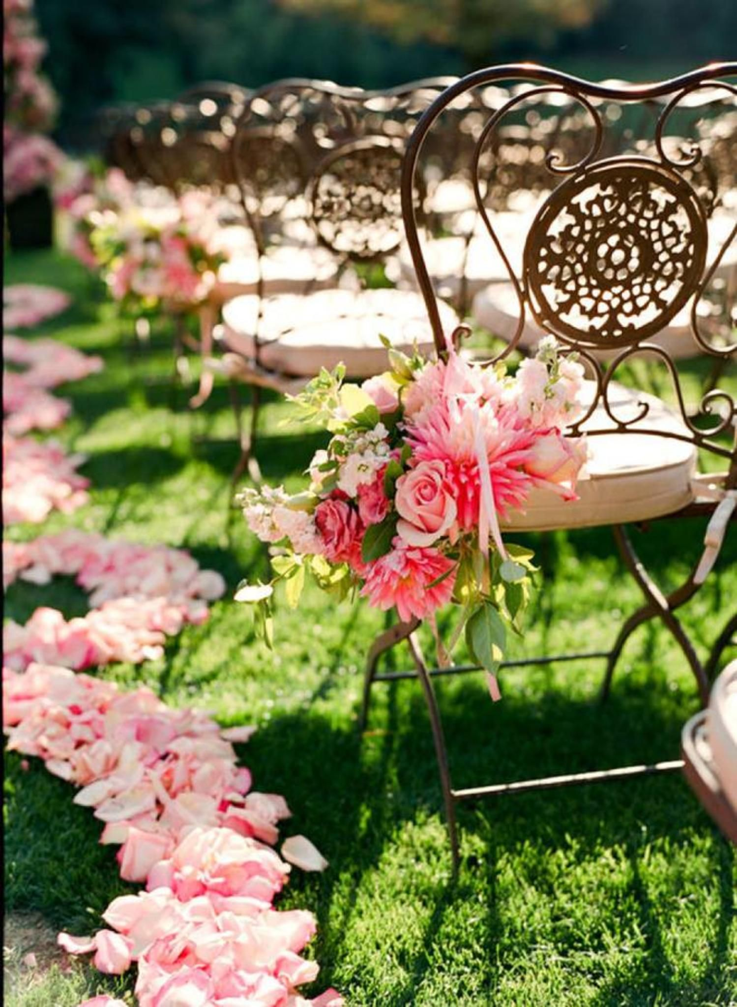 The Ultimate Guide for a Fabulous Spring Wedding.