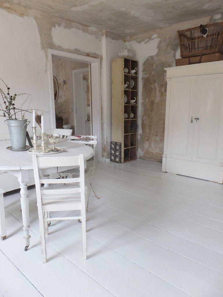 Wohnzimmer Im Shabbychic Einrichten, Alte Weisse Möbel, Antike Möbel Aus  Frankreich, Nordic Shabby
