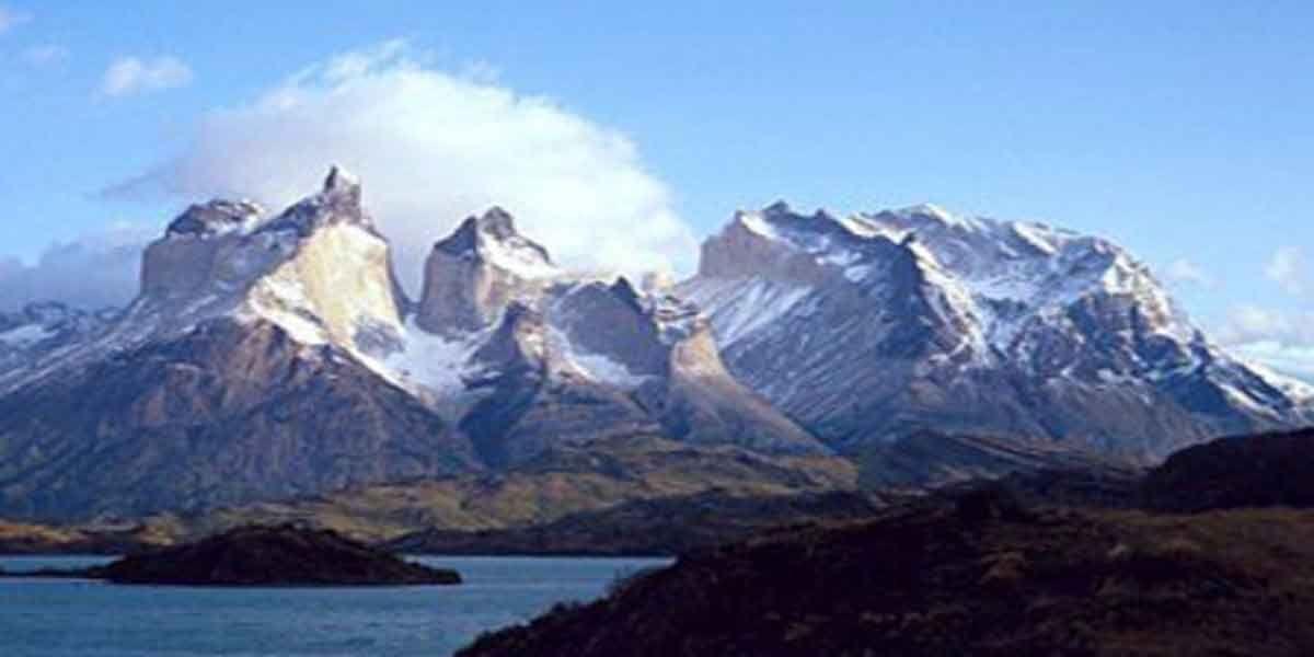 Trovate nei ghiacci delle Ande tracce di inquinamento dovuto ai Conquistadores del XVI secolo  Estratto un carotaggio di ghiaccio di 1200 anni dal ghiacciaio di Quelccaya. Il nucleo, che si trova in un'area occupata dai Conquistadores nel XVI secolo, mostra tracce di piombo e di altre sostanze chimiche prodotte nelle miniere d'argento di Potosi.