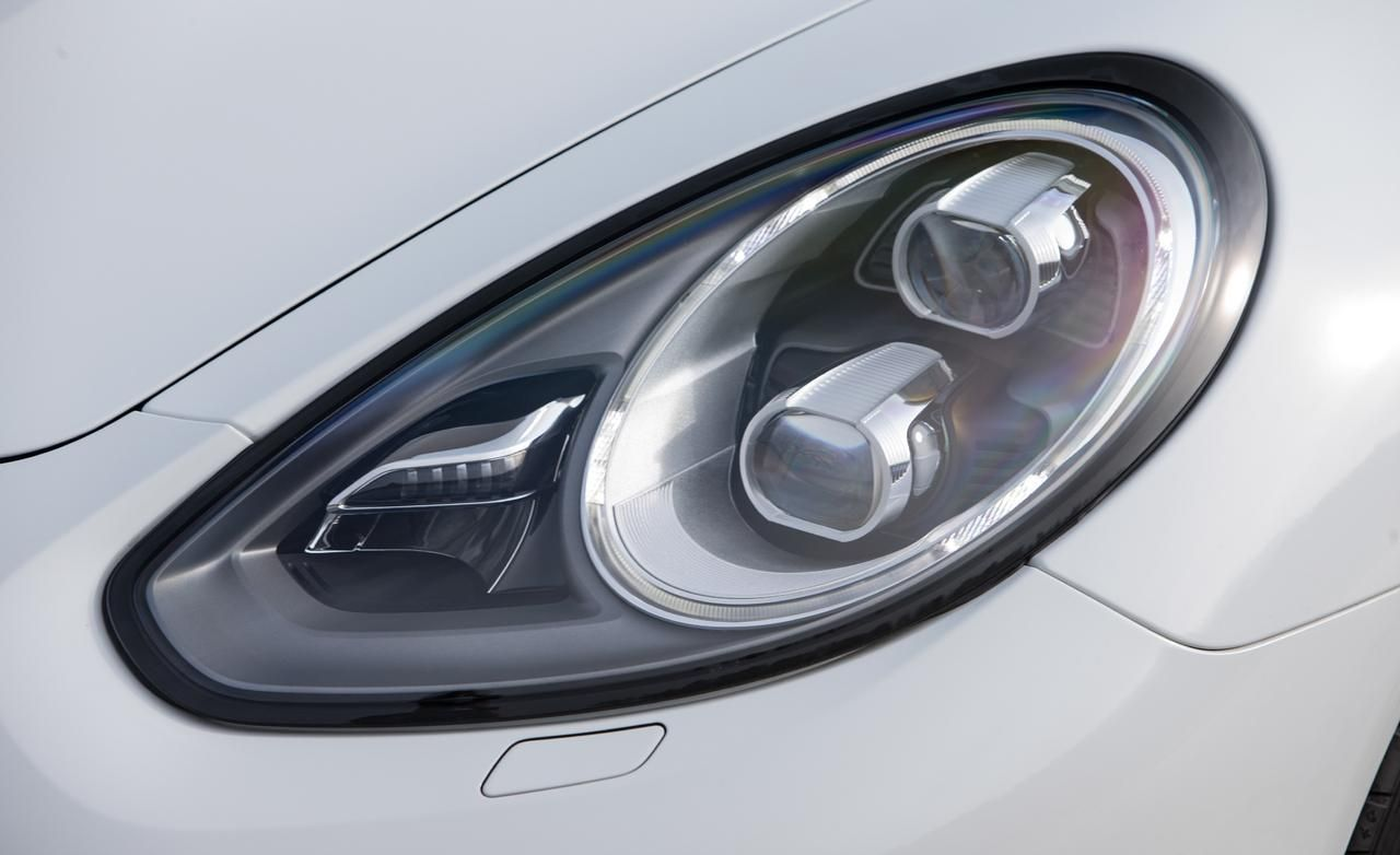 2017 Porsche Panamera Turbo S Headlight Exterior