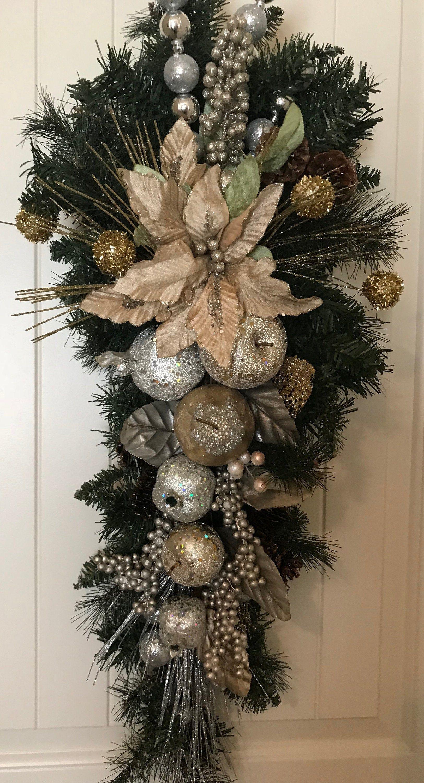 Botín de Navidad in 2020 Christmas wreaths diy
