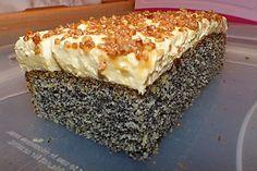 Illes super schneller Mohnkuchen ohne Boden mit Paradiescreme und Haselnusskrokant 5