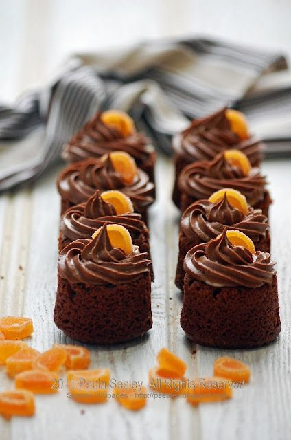 Chocolate and orange surprise cakes with a custard center