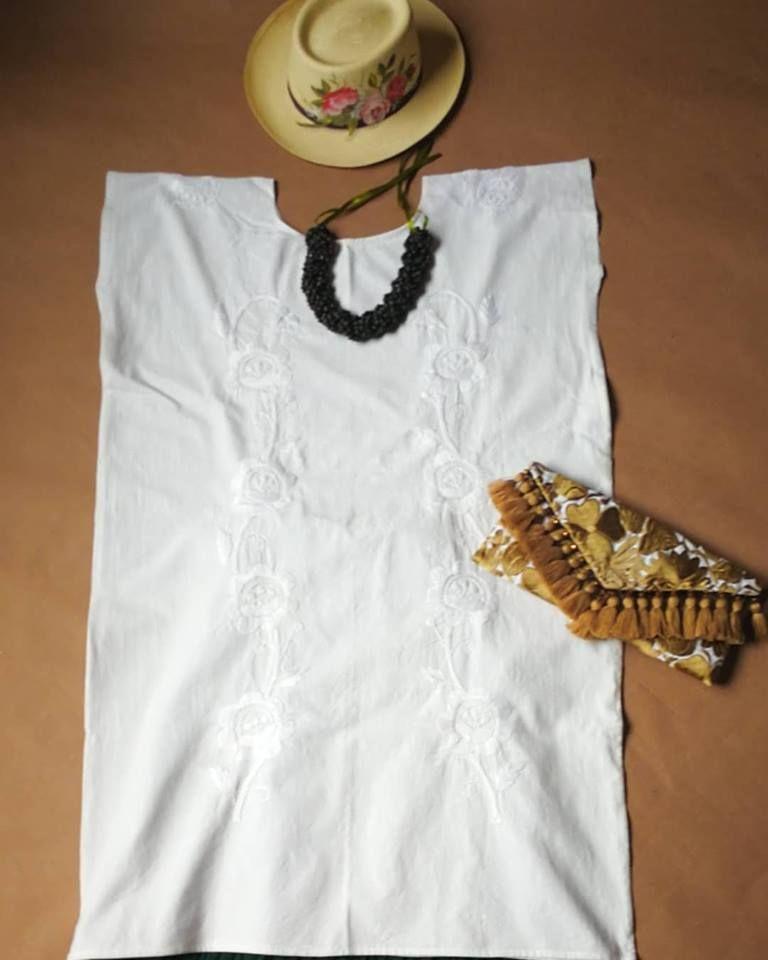 Huipil Huautla de Jiménez, bordado a mano, blanco sobre blanco ...