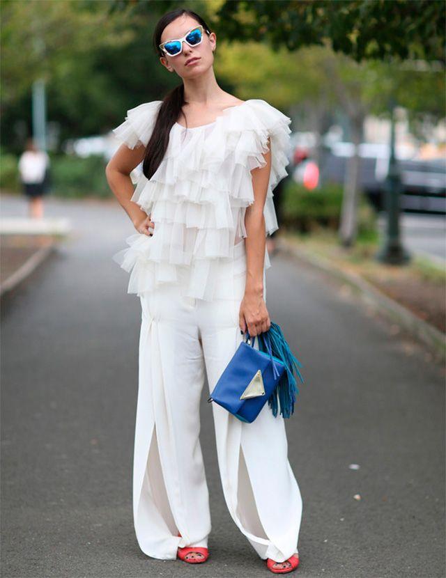 Street Style NYFW. A trendy life. #streetstyle #nyfw #streetstylenyfw #outfits #fashionblogger #atrendylife www.atrendylifestyle.com