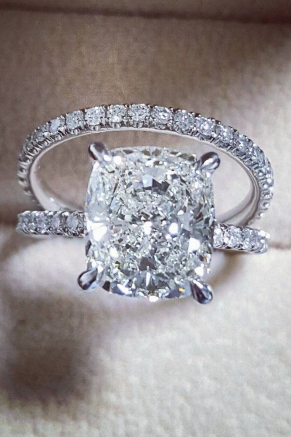 15 Stunning Engagement Rings By Diamondmansion