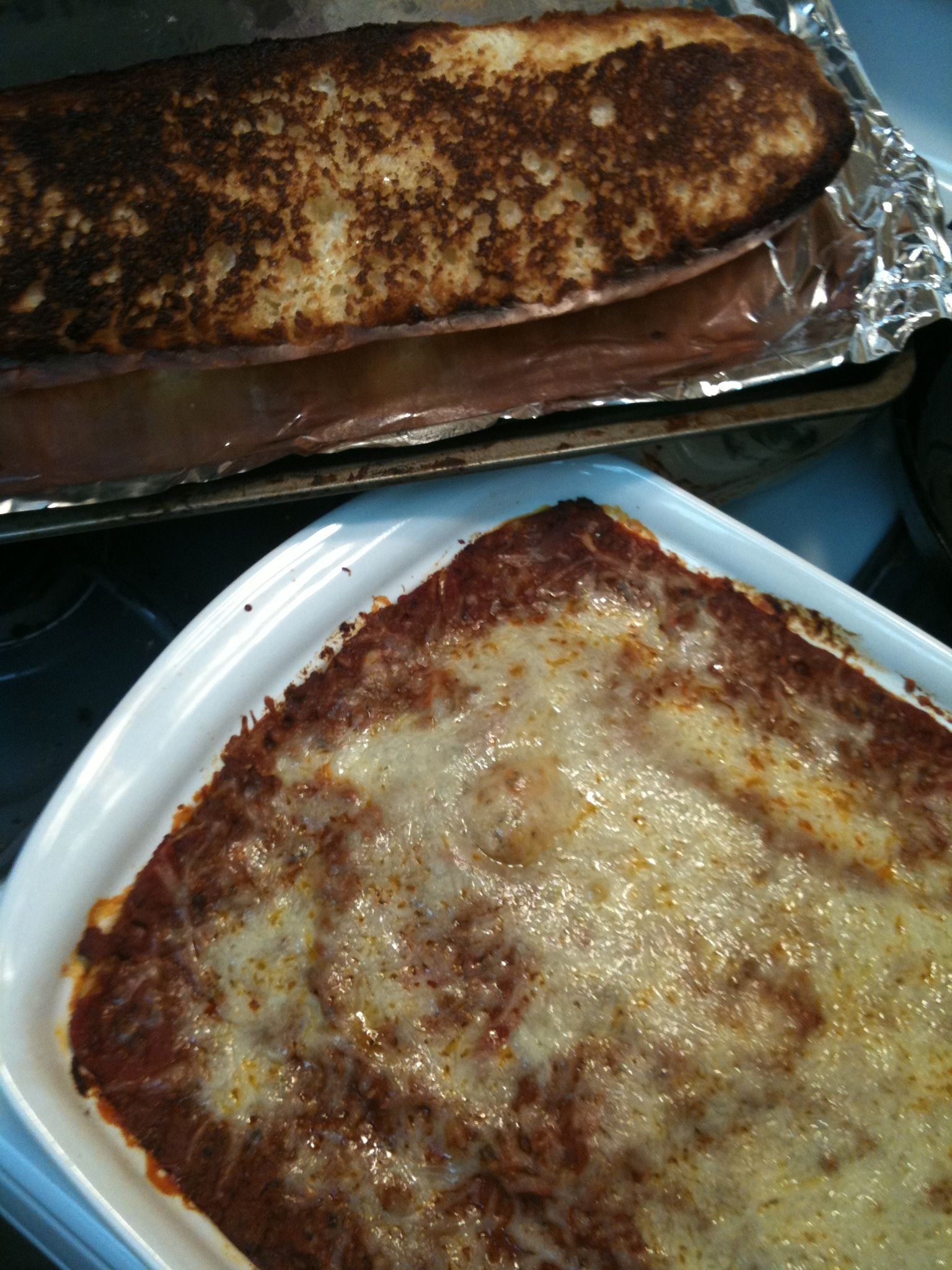 pioneer woman's lasagna and THE bread! | Yummy food ...