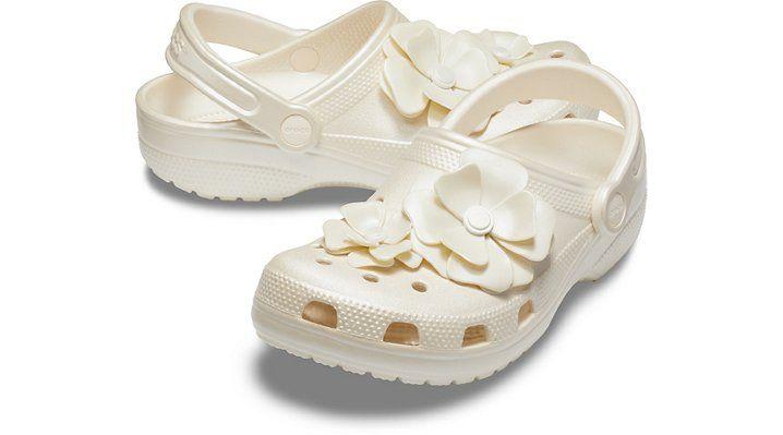 crocs blooms