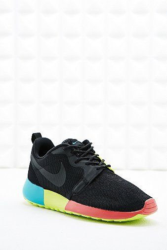72d67f3a817e Nike Roshe Run Hyperfuse Trainers in Black - Urban Outfitters UK