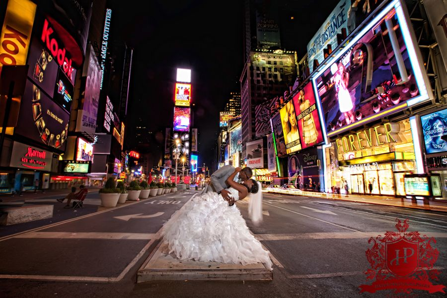 Three Lucky Couples Times Square Meet Tlc S Royal Wedding Contest Wedding Contests York Wedding Photography Broadway Wedding