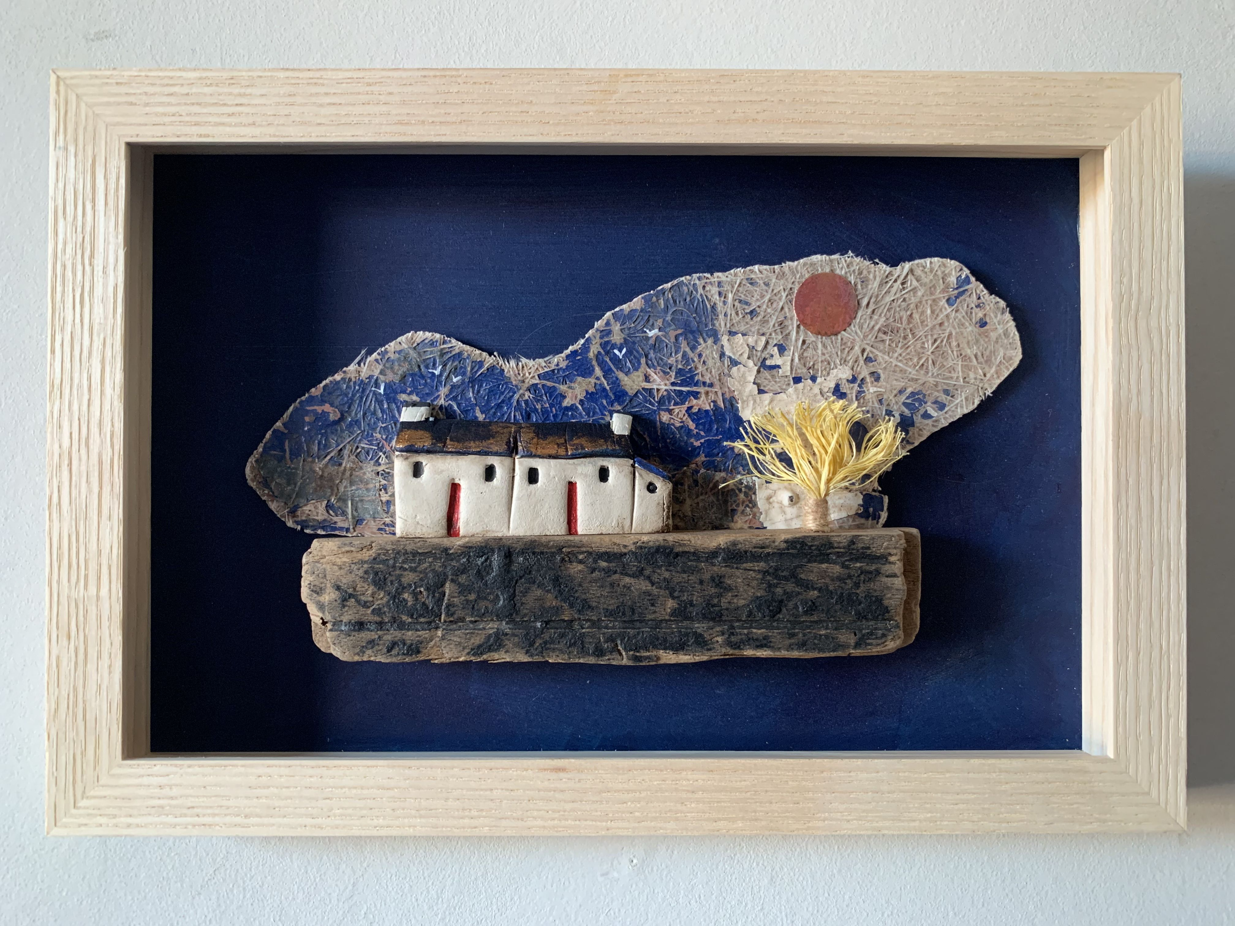 Pin By Aylin Ege On Little Houses In 2020 Little Houses Mini House Shadow Boxes