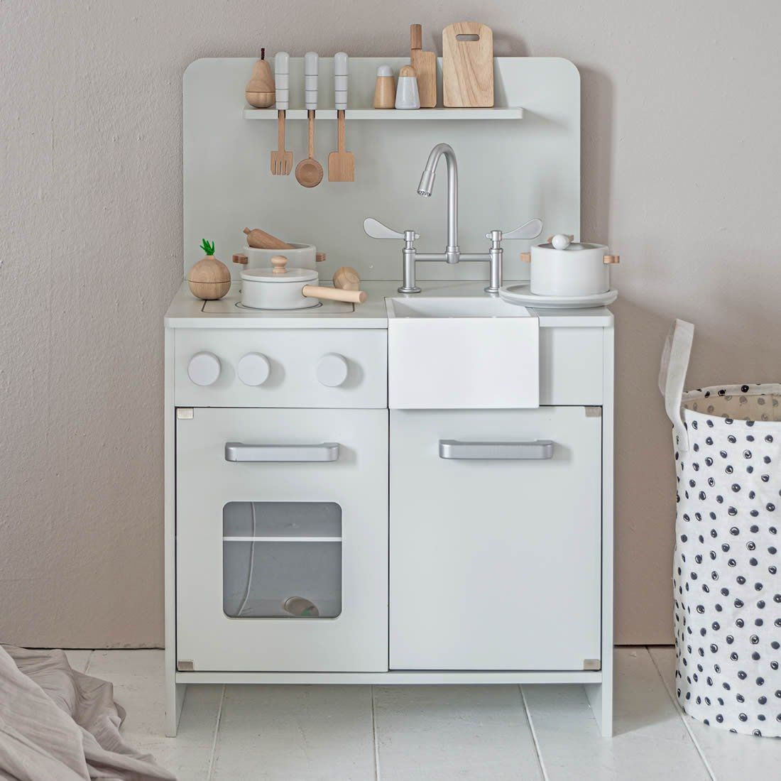 Dolls Küche Rezepte Wooden Toy Kitchen In Mint Grey | Petite Amélie In 2020 ...