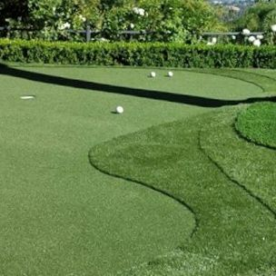 big or small synthetic grass putting greens available with ... on Small Backyard Putting Green id=18572
