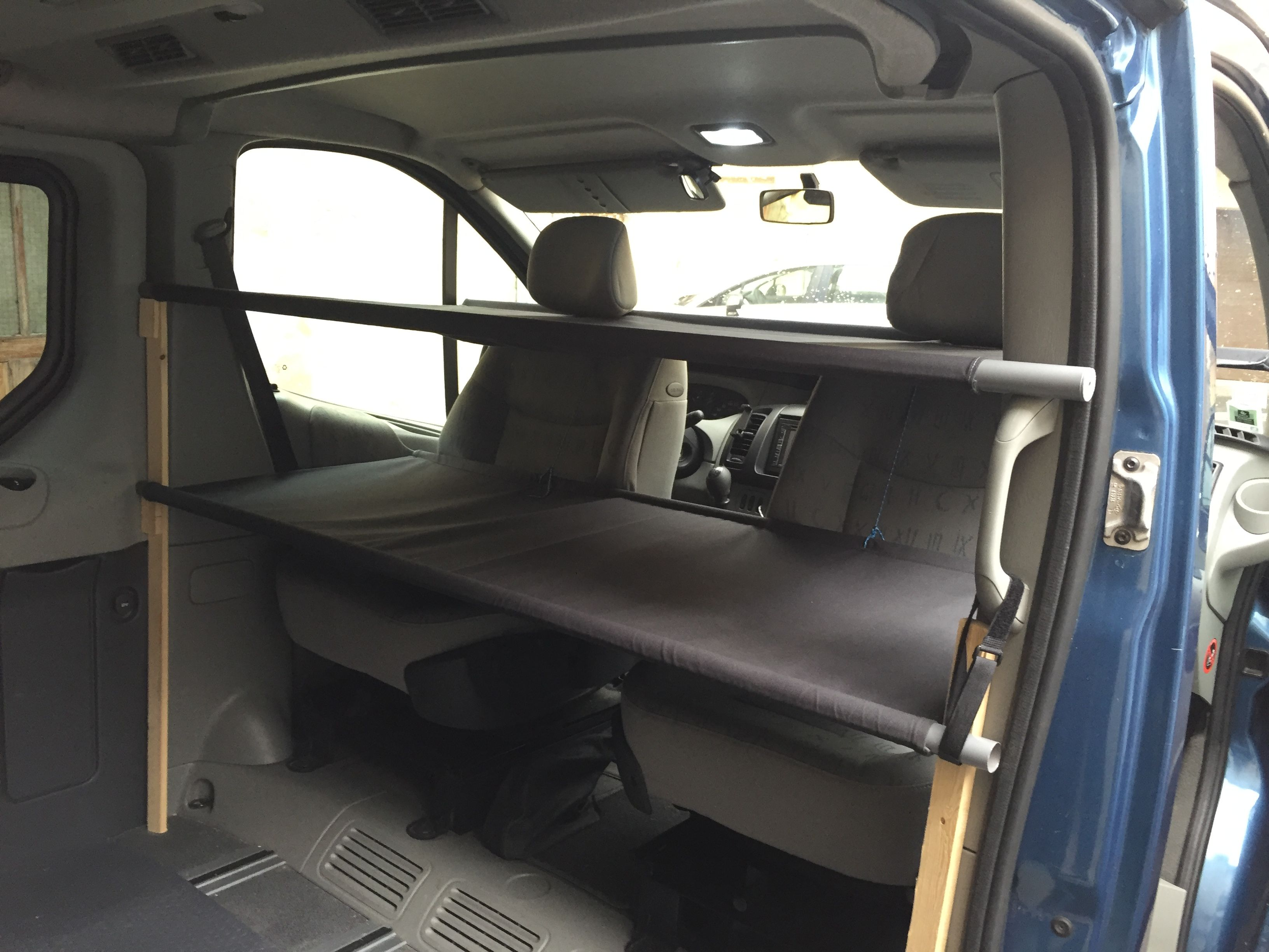 Application Pour Amenager Son Interieur Lit Cabine Double Renault Trafic Generation Camping