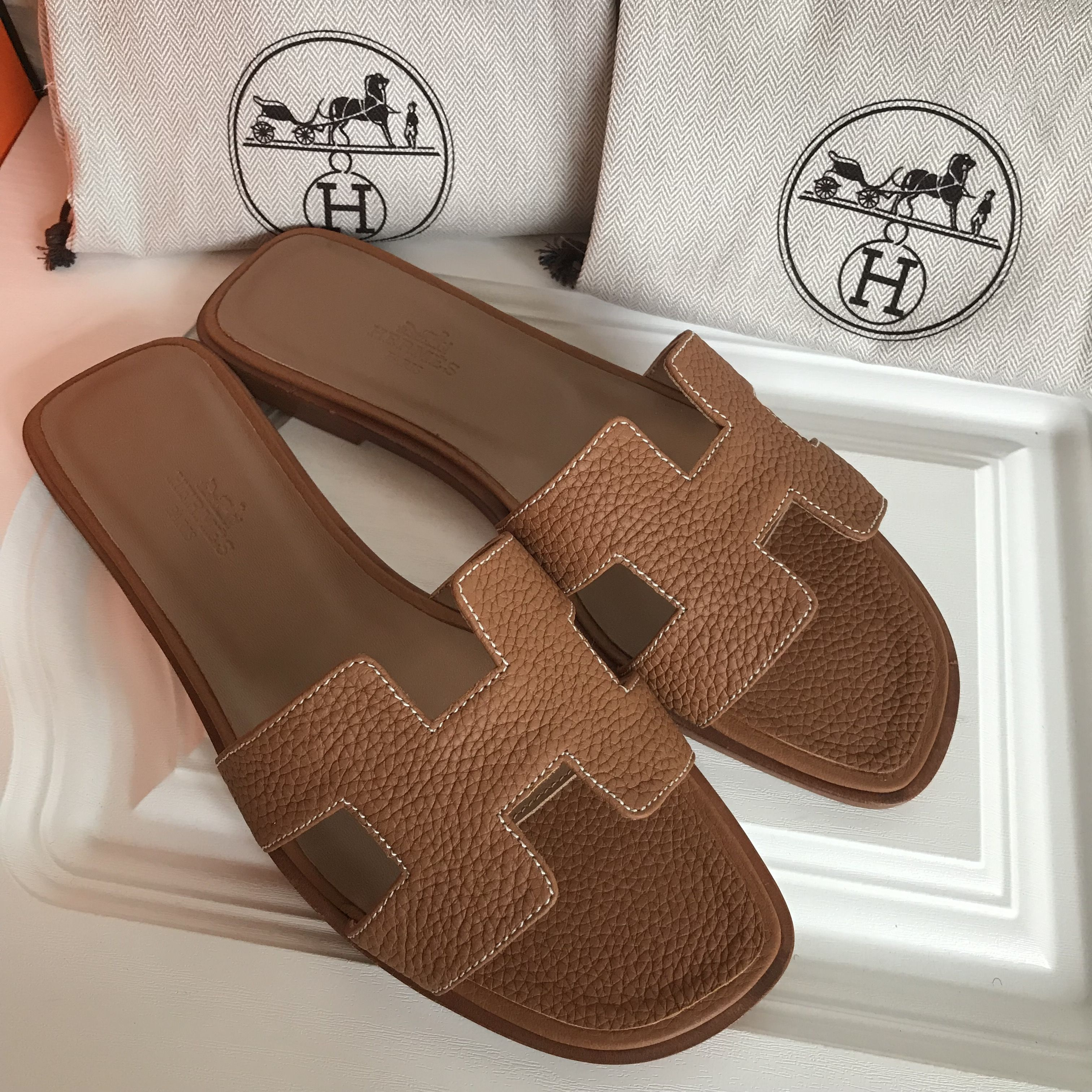 HERMÈS Oran Sandal Brown Calfskin Leather 39