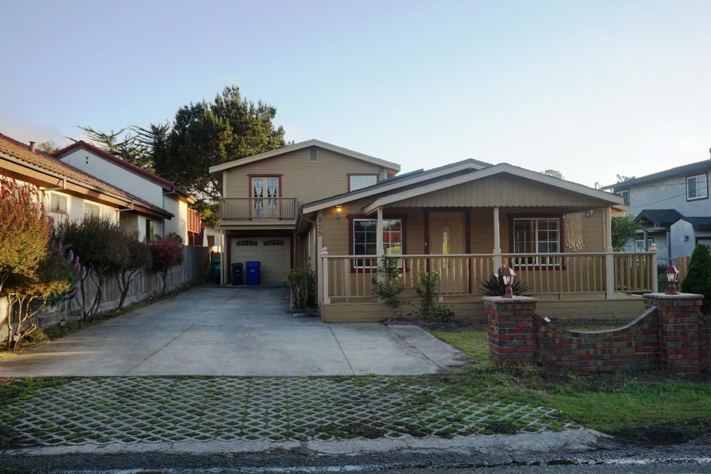 View property details for 855 Maple St, Pacific Grove, CA. 855 Maple St is a Single Family property with 4 bedrooms and 2 total baths for sale at $1,045,000. MLS# 81577467.