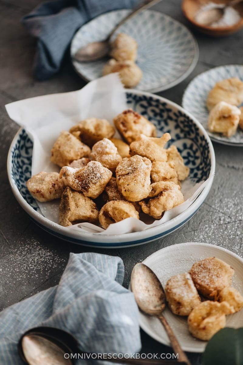 chinese banana fritters 炸香蕉 fried banana omnivore s cookbook fried bananas banana fritters heavenly dessert recipe pinterest