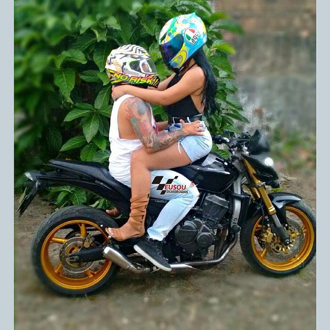 Casal  perfeito @meyrinhaaraujo e seu marido ______________________________________________ #bikelife #Instamotogalery  #bikervideos #moto #motor #bike #repost  #photooftheday #yamaha #motorcycle #motocross #motorbike #honda #ktm #bmw #car #sportbiker #like4like #gopro #seguidores #kawasaki #ducati #cbr  #followme #suzuki  #eusouduasrodas by eusouduasrodas