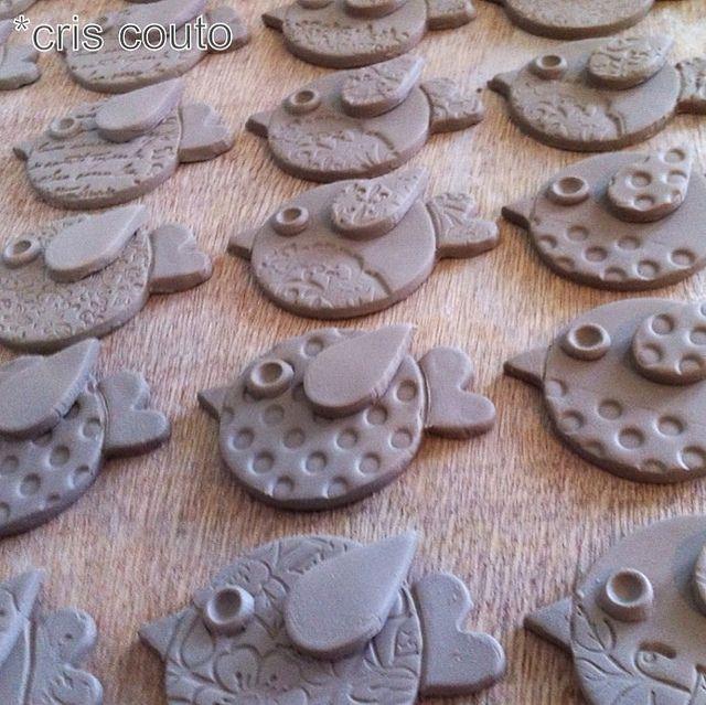 modelando passarinhos v gel aus ton pinterest keramik vogel und keramik v gel. Black Bedroom Furniture Sets. Home Design Ideas
