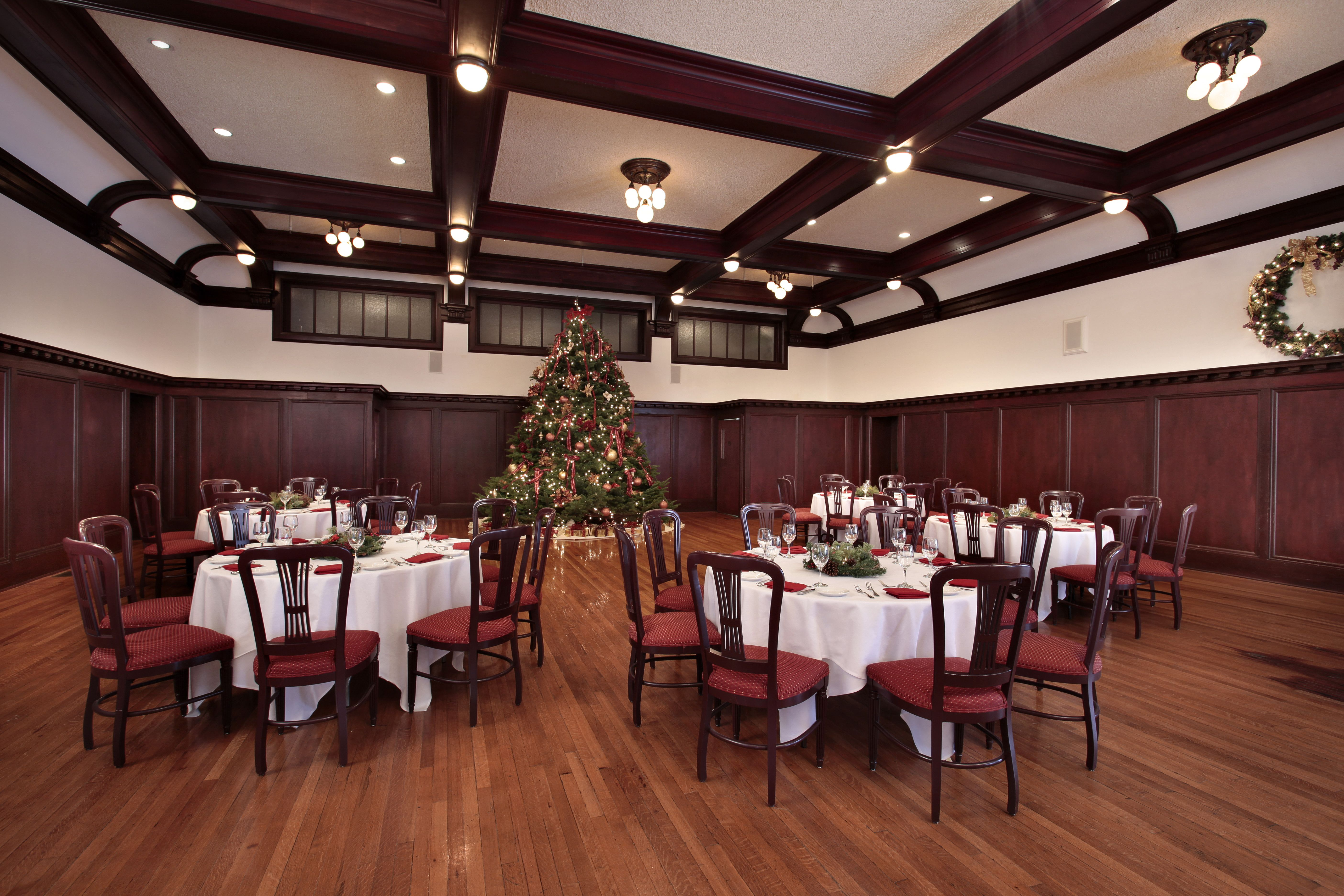 A beautiful Christmas feast awaits at the Paso Robles Inn