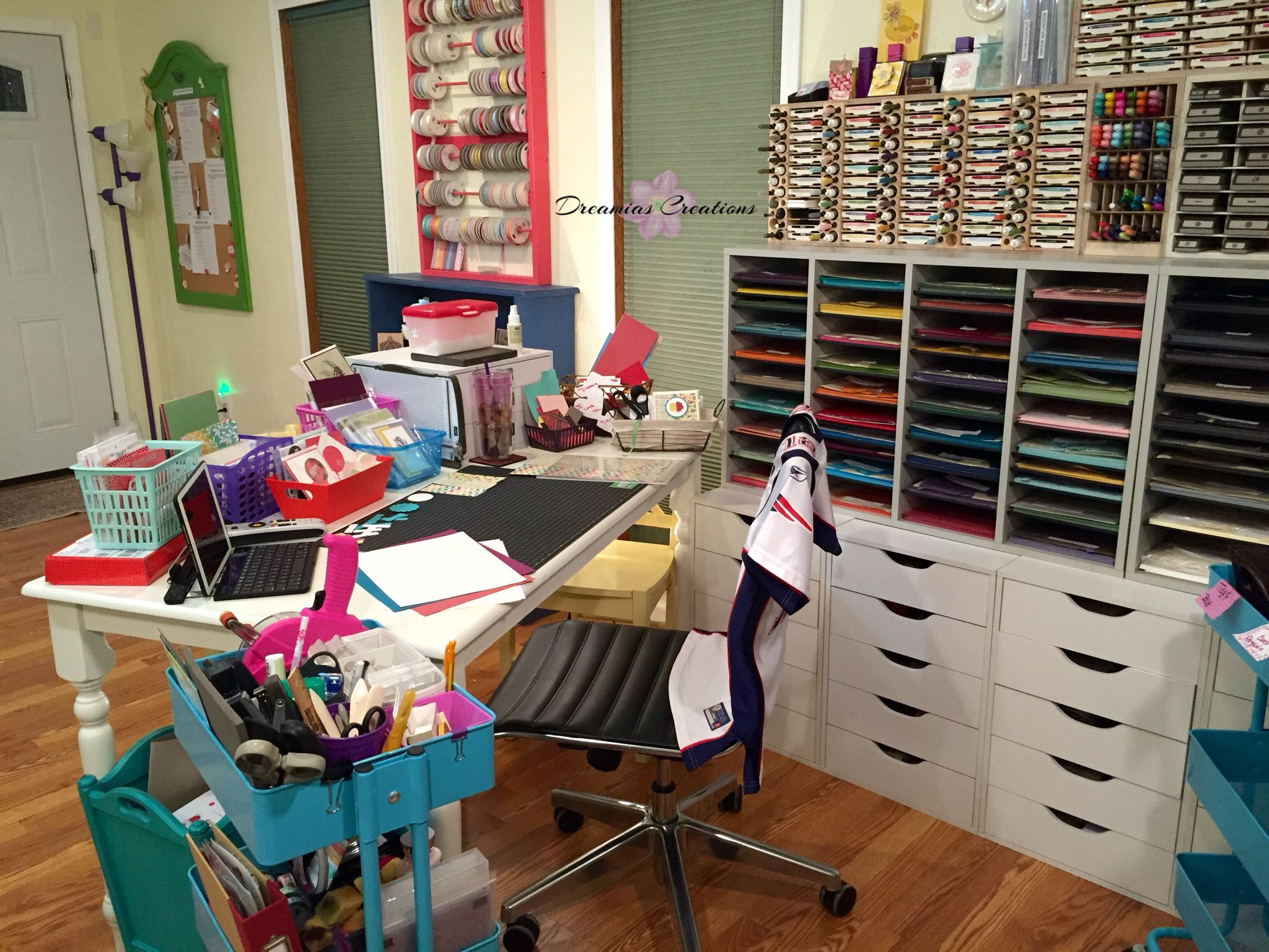 My workspace no class dreamias creations stampin studio