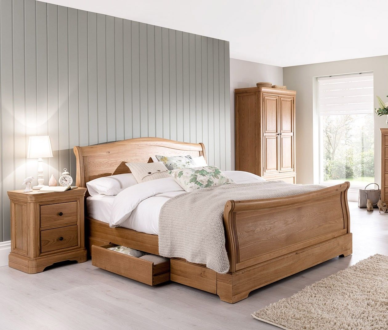 Carmen Solid Oak Sleigh Beds in 3 Sizes