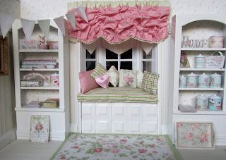 Friday's Child: Roomboxes for Christmas