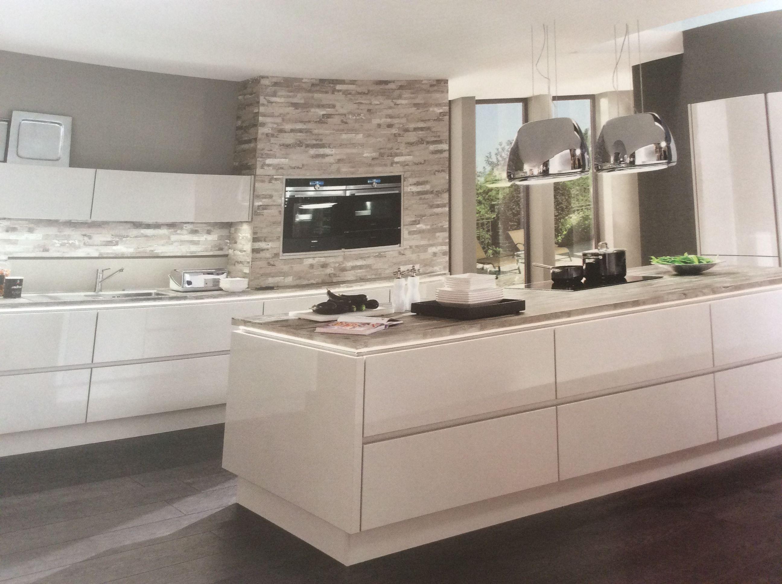 Kuche Hochglanz Von Jane Ting Auf Kitchen Nobilia Kuchen Kuchen Design