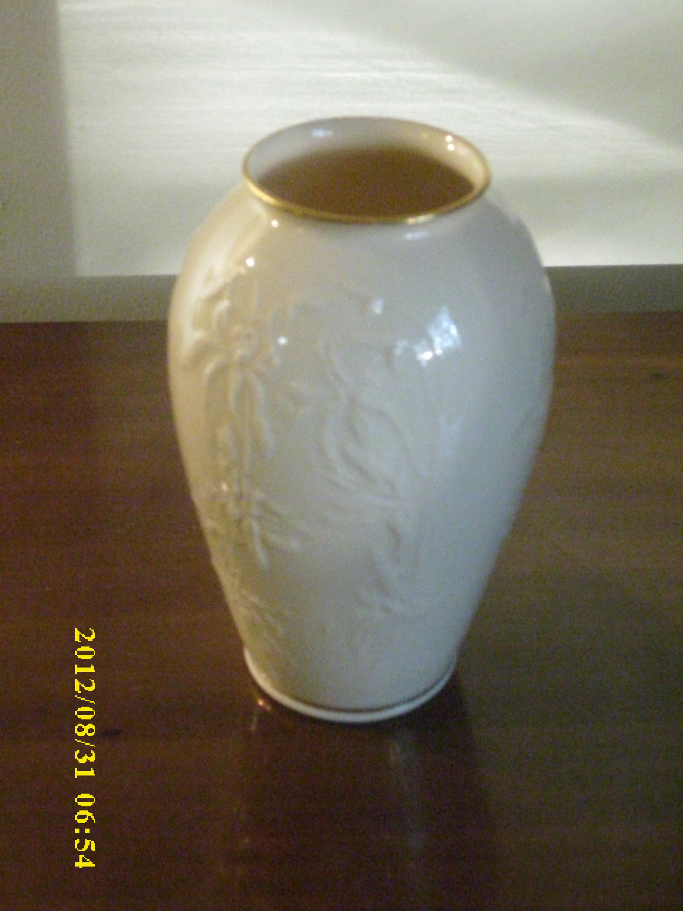 Lenox 1964 Lenox Ivory Procrlian Carved Bone China W 24k Gold Trim 3 Pieces Lenox Vase Gold Trim Carving