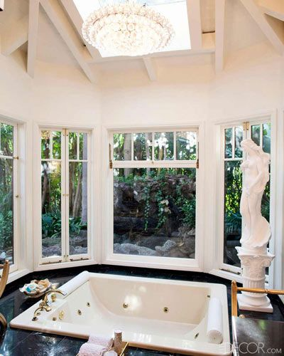 Mad Men costume designer Janie Bryant's dramatic master bath