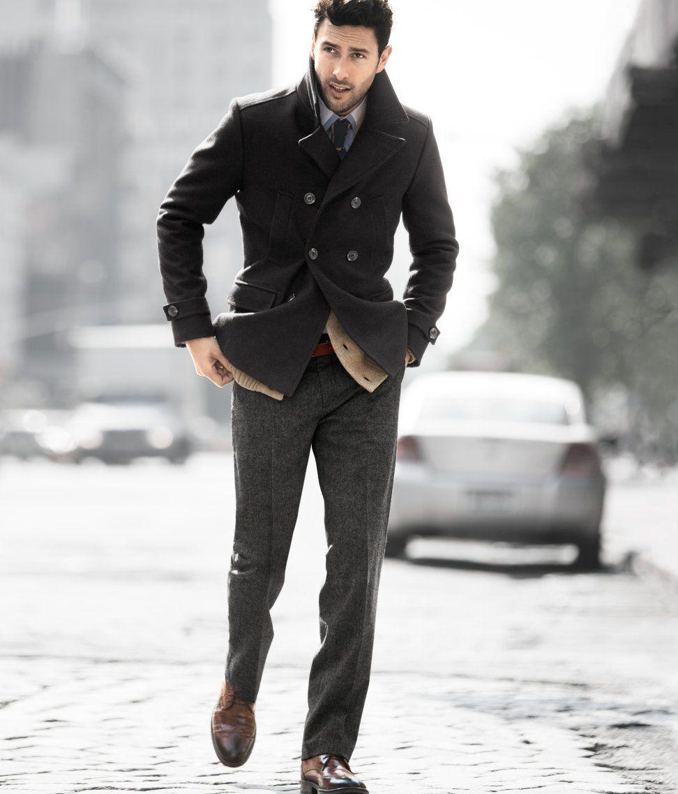 63db9be694499 Como combinar un abrigo negro para hombre