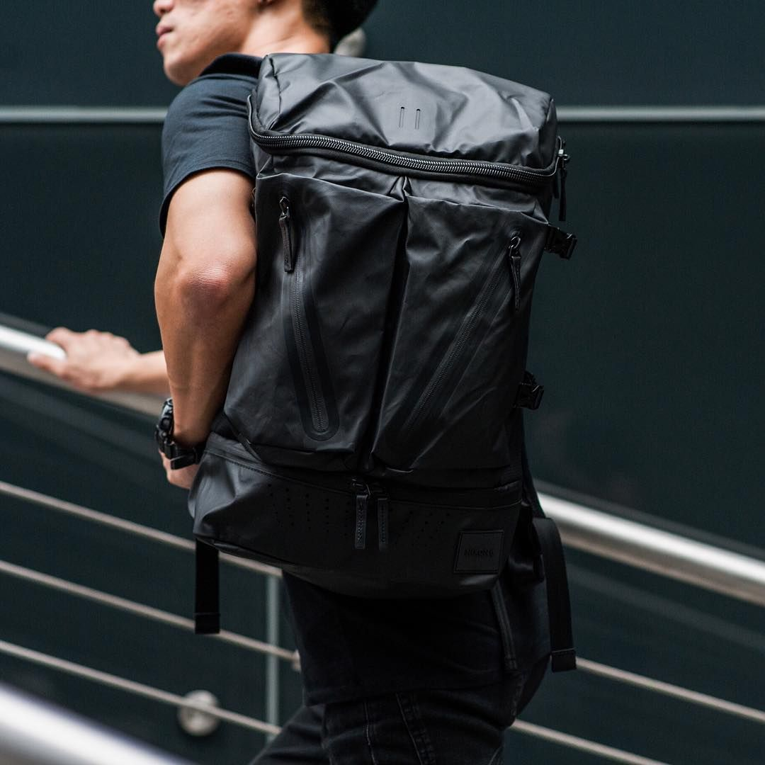 1fa698ed1226 The Nixon Scripps Backpack has different pockets to put anything you want  inside. The black