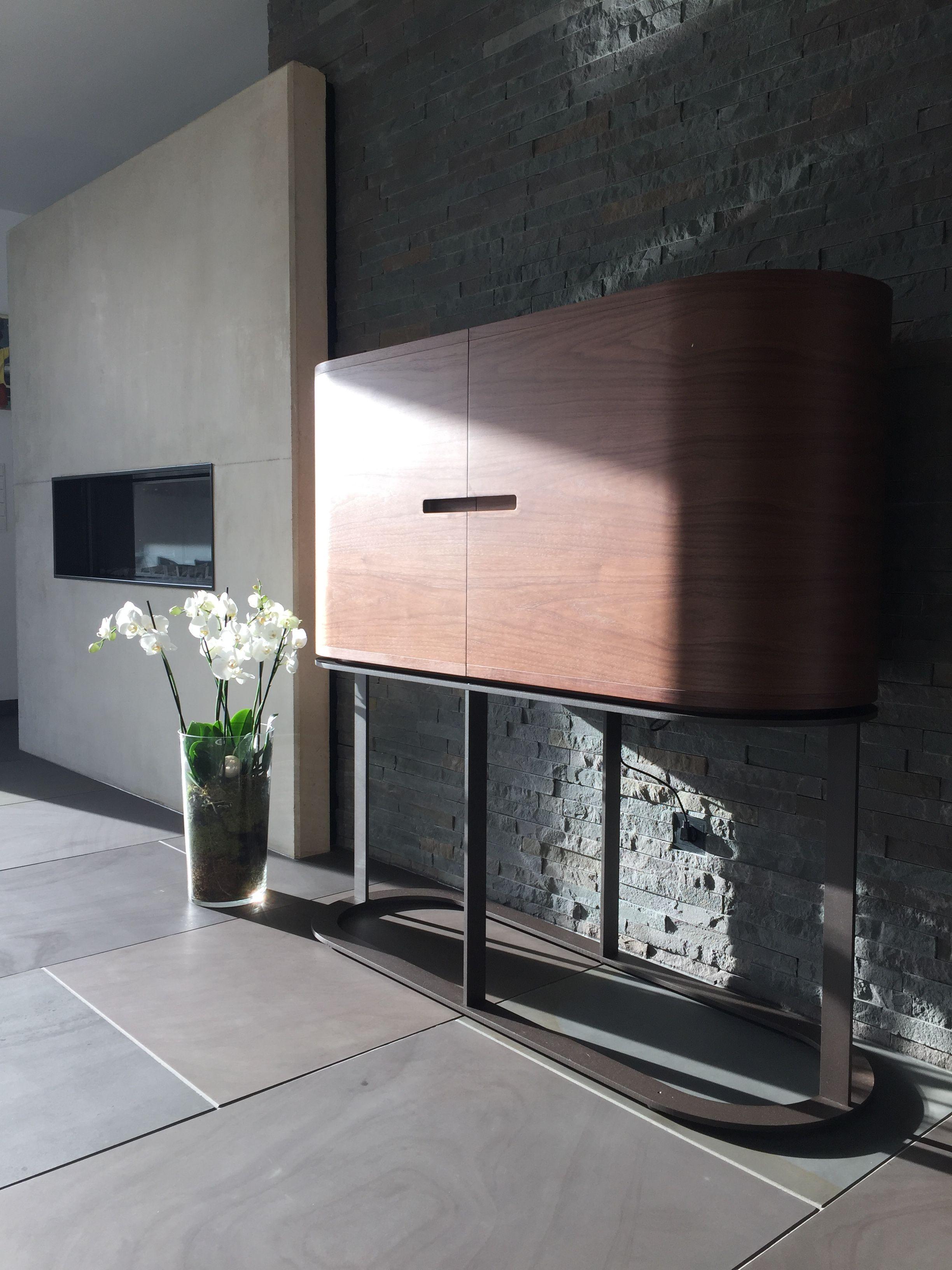 Awesome Howertiges und modernes Design aus Naturstein im Wohnzimmer Bodenbel ge und Wandverblendung aus Original Quirrenbach Grauwacke