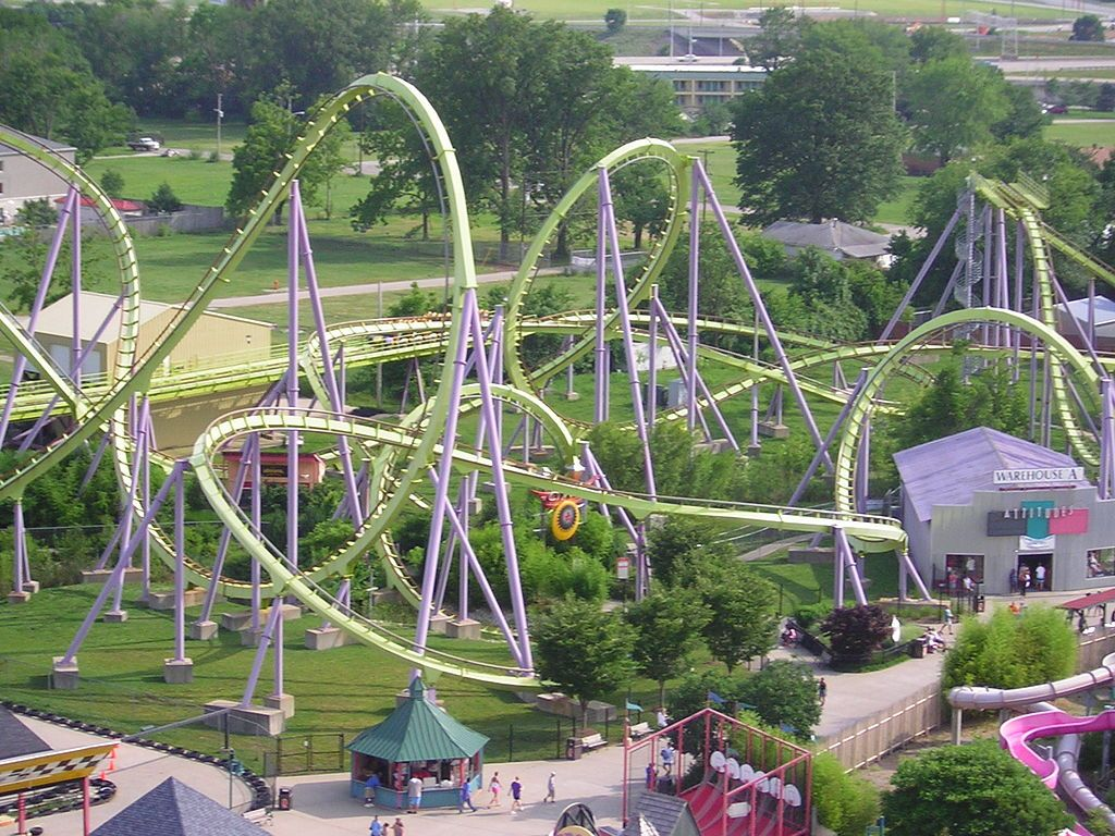 Six Flags Kentucky Kingdom Louisville Ky Defunct And No Big Loss Valley Hotel Louisville Hotels Hotel
