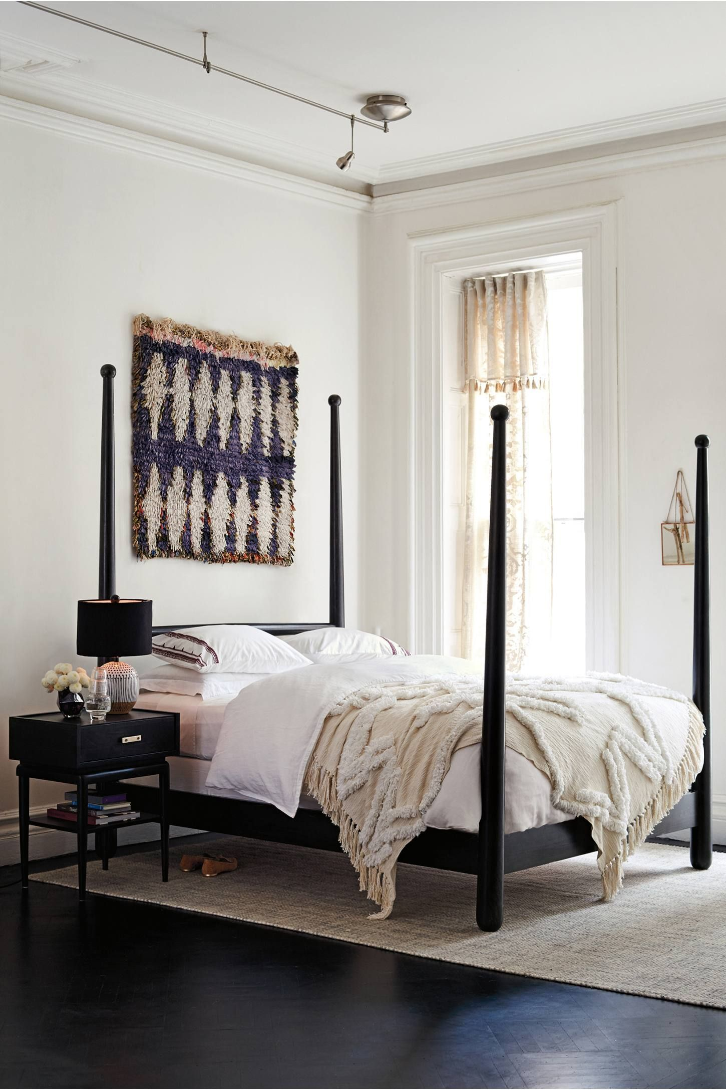 Anthropologie white bedroom - Aldalora Throw Blanket White Bedroom