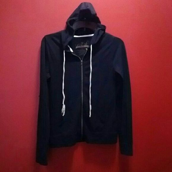 Jrs CHIN-UP long sleeve full zip up hoodie CHIN-UP Size- small Black Long sleeve? Light weight Full-zip hoodie Has side pockets No rips,tears,stains. Good condition chin up Jackets & Coats