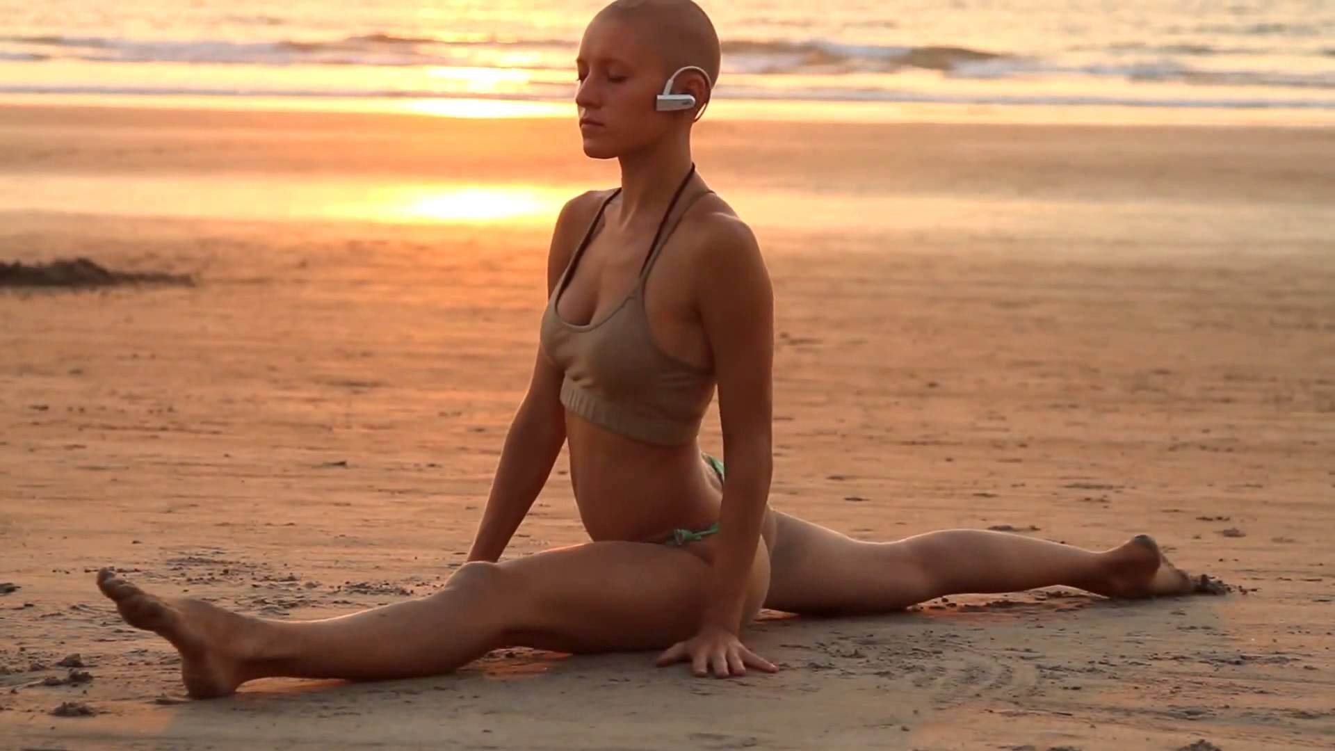 голая йога видео фото