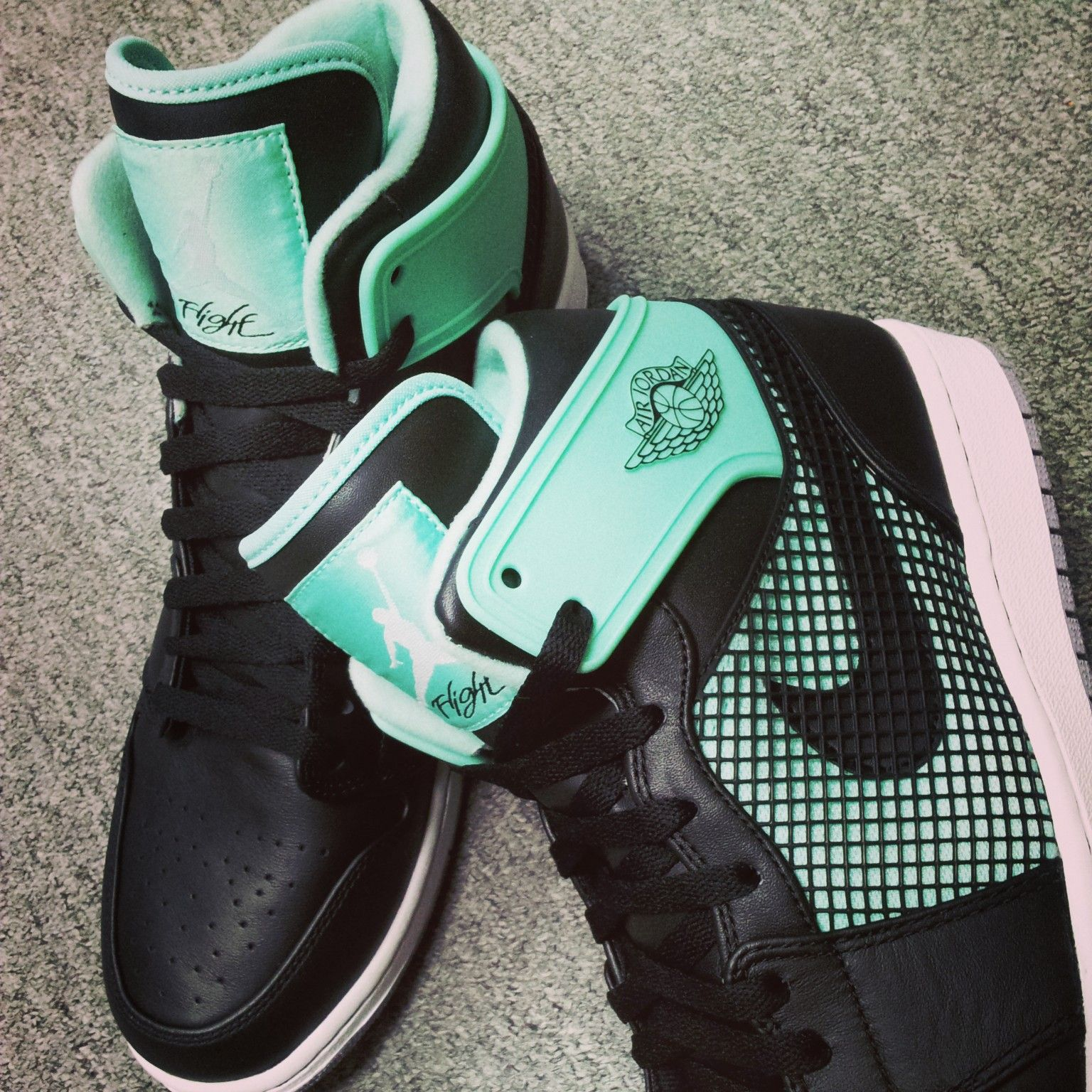 detailed look 378eb 121db Nike Air Jordan 1 Retro 89 Black Green Glow (599873-033) #kickscrew  #sneaker #sneakernews