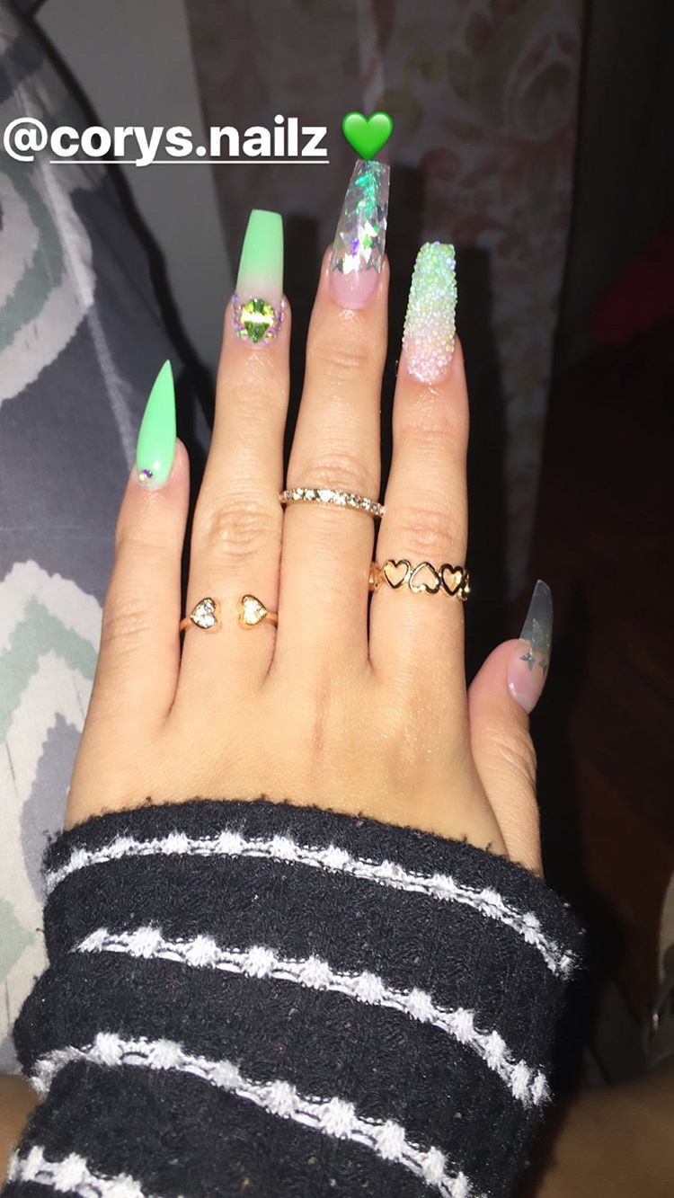 Pin By Yilailah On Acrylic Nails Coffin In 2020 Green Nails Nails Neon Green Nails