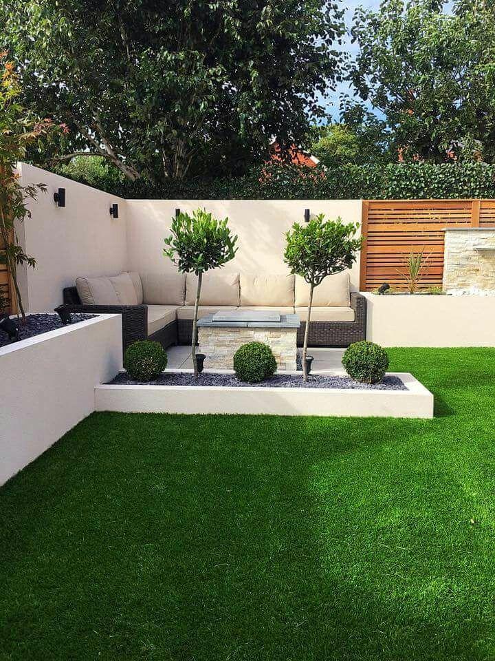 Corner sitting area and wood slat wall | Outdoor gardens ... on Garden Entertainment Area Ideas id=62357