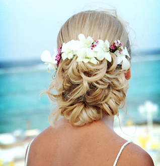 Wedding Beach Hairstyle White Tropical Flowers With Small Pinkish - Bridesmaid hairstyle beach